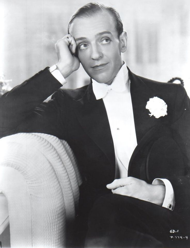 Fred Astaire and Eleanor Powell - Begin the Beguine / from The Broadway Melody of 1940 / http://www.youtube.com/watch?v=nZPndC-F5SE