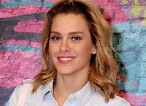 A atriz Carolina Dieckmann já está escalada para um novo papel na TV Globo. A trama Favela Chique, nova novela de João Emanuel Carneiro, deve contar com a participação da loira no elenco.