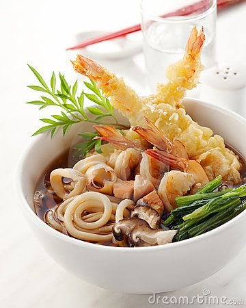 Japanese food: Tempura Udon YUMM!! I'M TOTALLY TRYING THIS!!