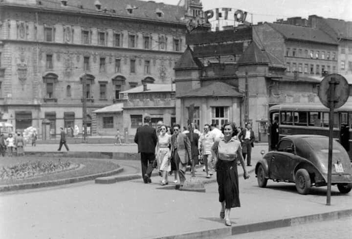 1955. Az egykori Capitol mozi a Keleti pályaudvar mellett