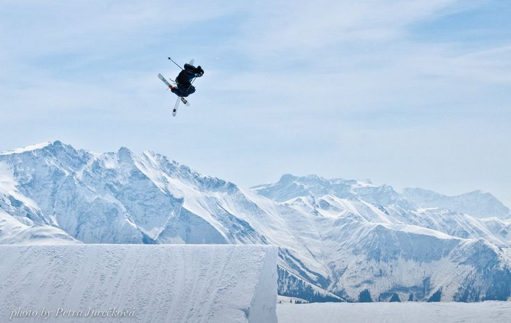 My brother Richie flying around in #Laax