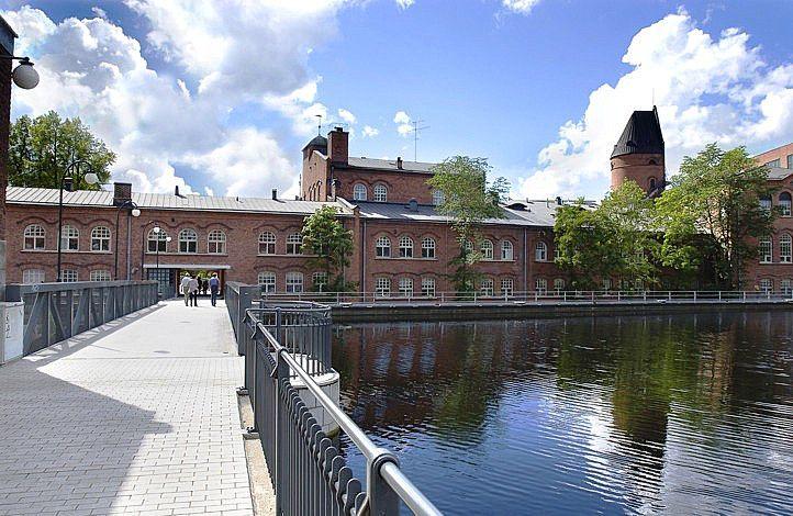Patosilta bridge over the rapids Tammerkoski, Tampere, Finland