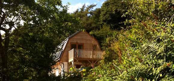 Locke's Cottage, Troed Rhiw Fawr_exterior from below