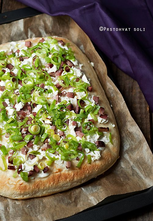 Toki Pomposo - a Hungarian quick meal of soft cheese,leek & bacon served on potato bread