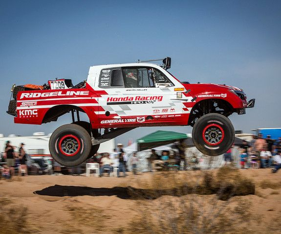 The Honda Off Road Racing Team Took Their Ridgeline Baja Race Truck To A Class Win This Weekend In The Parker 425 Honda Honda Ridgeline Racing