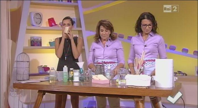 La miscela sgrassante | I consigli e le miscele di Titty e Flavia a Detto Fatto sono tantissime. Oggi vediamo come realizzare una miscela sgrassante e il sapone di Marsiglia liquido.