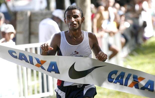 Damião Ancelmo de Souza conseguiu neste domingo o índice exigido para a maratona dos Jogos Olímpicos Londres 2012 na prova de Milão, na Itália. Veja também em: www.timebrasil.com.br