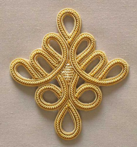 4 Hand-Embroidered Appliques. Gold Bullion. Celtic Knot
