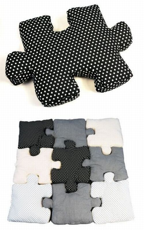 DIY Puzzle pillows....wow! How cool would this be as a graphic element on the bed...or in a different pattern for a child's sleepover party? The pillows could be the favors!!!!
