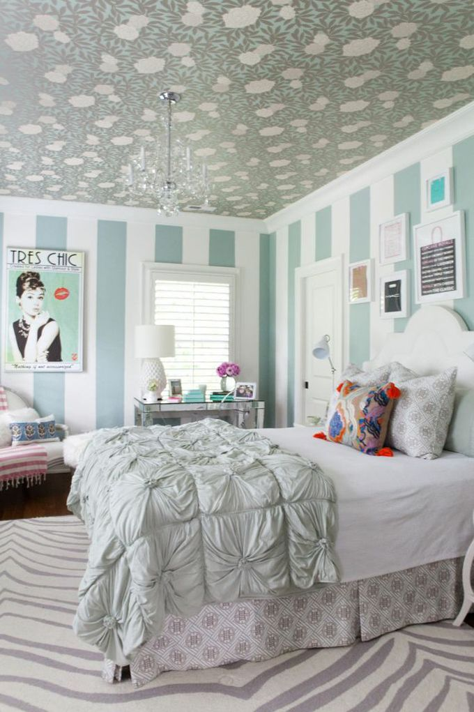 House of Turquoise: Jamie Meares The chic space was designed by Jamie Meares, owner of Furbish Studio in Raleigh, NC and blogger at I Suwannee.