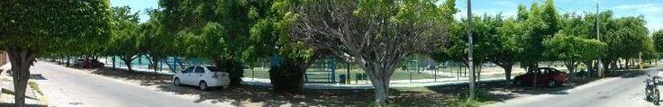 A unos metros de Playa, frente al Bosque de la Ciudad, a unos pasos de Estadio de Béisbol Teodoro Mariscal. Amplia, 2 cocheras con portón eléctrico cada una, cocina integral, 3 recámaras, 3 baños completos, y 1 medio baño en la planta baja, 2 recámaras con baño propio, vestidor y jacussi