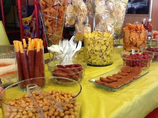 17 best images about mesas de dulces on pinterest mesas for Ideas para mesas dulces