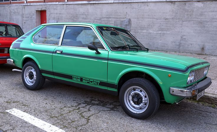 https://flic.kr/p/ShHNcc | SEAT 128 Sport. 1976 | The SEAT 128 is a 3-door hatchback coupé from the Spanish automaker SEAT launched in 1976.