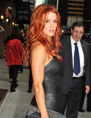 Poppy Montgomery    For those of you who don't know who this Poppy Montgomery bird is, she was on some CBS show a few years back, but wasn't all that memorable. Well, not anymore. I guess when a network tells you you're going to get you're very own hour long drama, you decide to hit the gym and spice things up a little