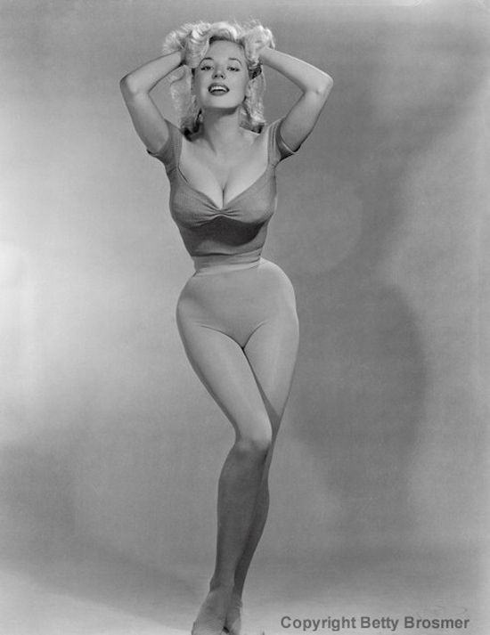 """Betty Brosmer and her 18"""" waist  #vintage #tightlacing #corset (This is not an act of photoshop.)"""