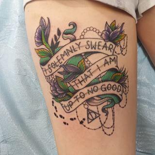 """Una referencia al mapa del Merodeador:   31 tatuajes para los amantes de la fantasía totalmente dignos de que se """"te caiga la baba"""""""