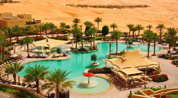 まるで映画『アラジン』の世界。砂漠に広がるリゾートホテル「カスル・アル・サラブ」 | TABI LABO