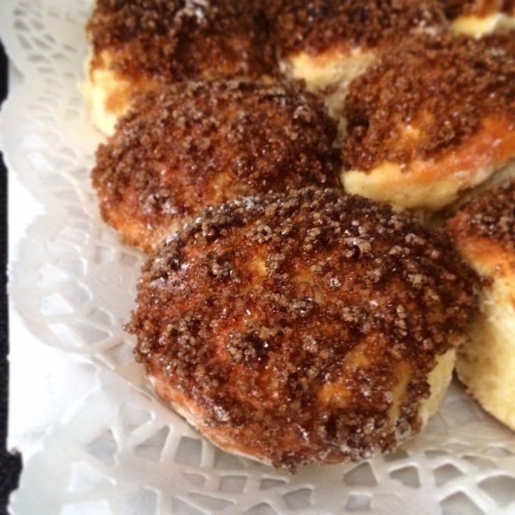 Tortitas negras - facturas Argentinas .       Black sugar cakes - Argentinian speciality