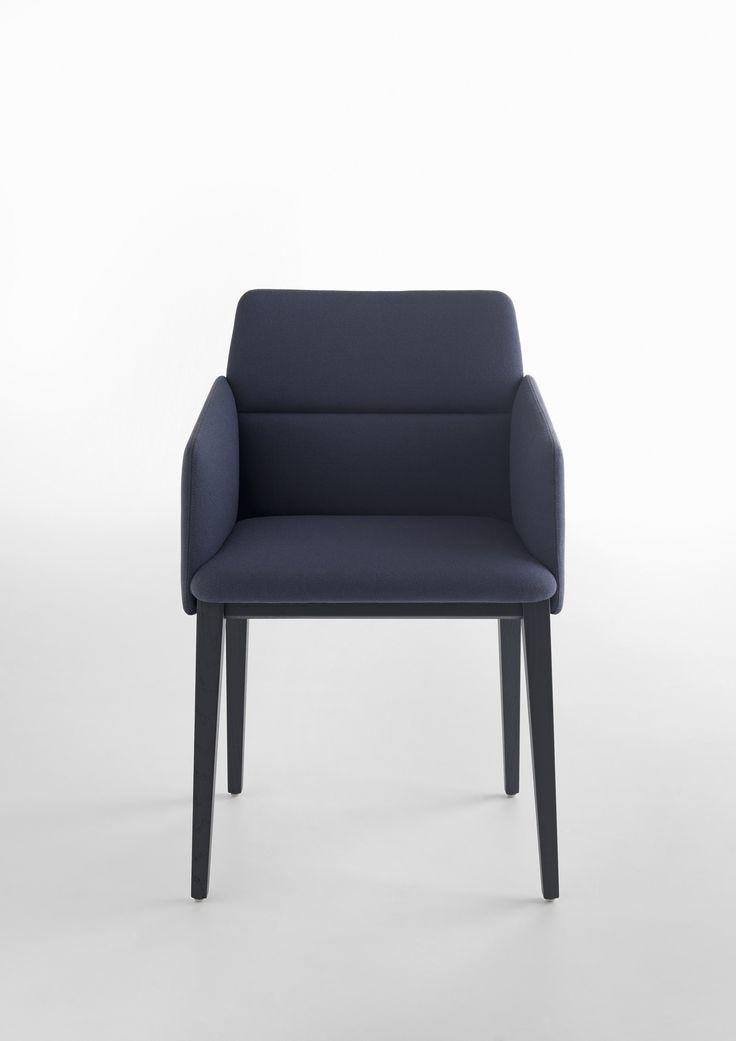 Stuhl mit armlehne design design for Design stuhl barocco