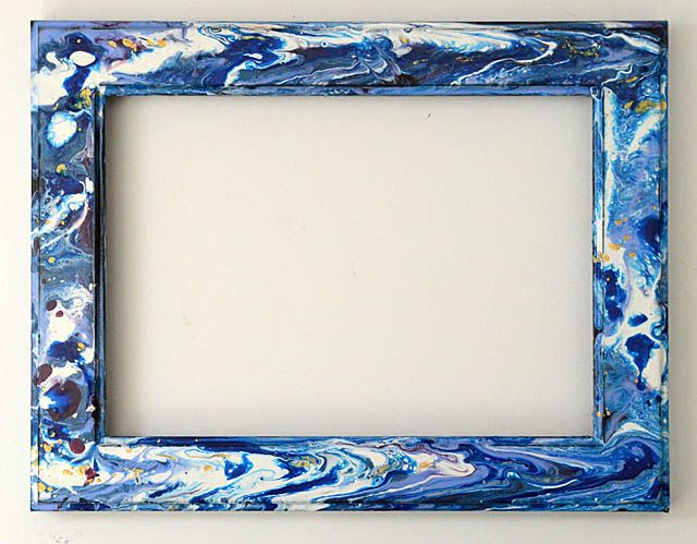 Acrylic Paint Pouring: Photo frame | Painted picture frames, Frame, Painted  photo frames