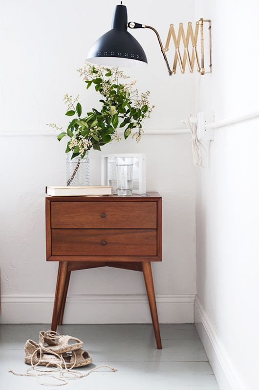 mid-century modern night stand and light fixure / sfgirlbybay