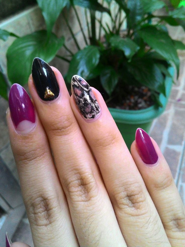 05.17 Purple and black nail art design