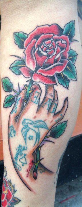 tattoo old school / traditional nautic ink - inked little hand with flower