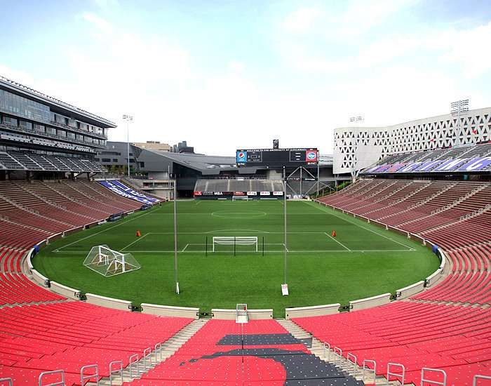 Nippert Stadium Cincinnati United States Of America Sports Venue In 2020 Stadium Cincinnati Cincinnati Bearcats