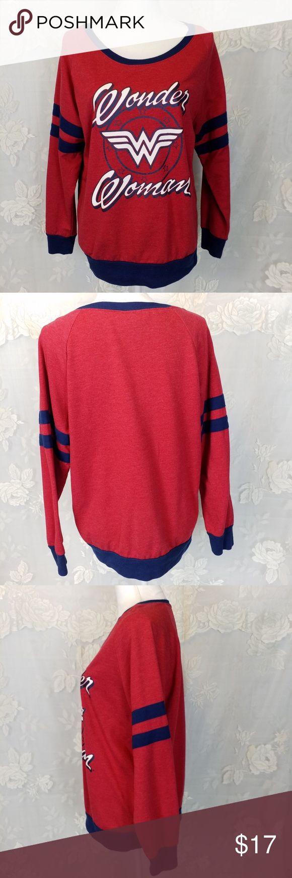 Wonder Woman sweatshirt red & navy size …