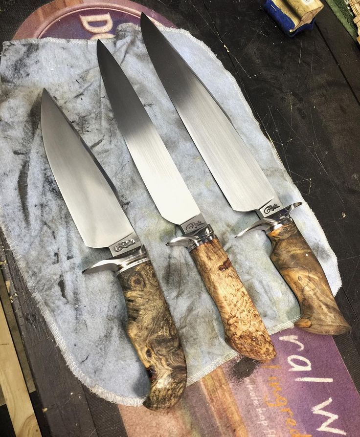 44 отметок «Нравится», 2 комментариев — Shaun Roodt (@ronin_knives) в Instagram: «Liking the different types of handles #knifemakers #bladesmith #guild #forged»