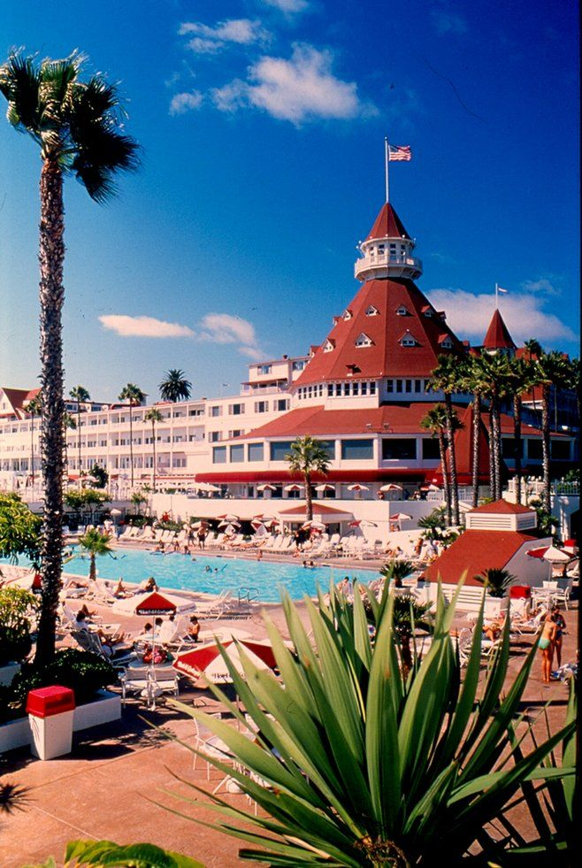 The Hotel Del Coronado With A Vintage Touch By Robert Chartier