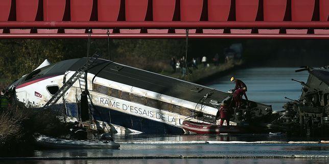 Accident d'un TGV d'essai : la SNCF reçoit les familles des victimes