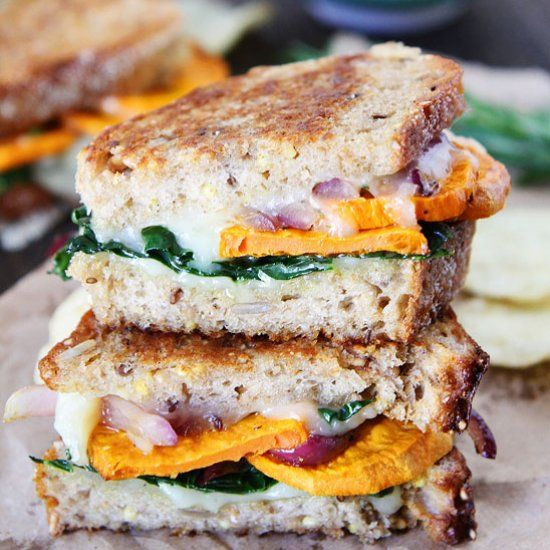 Sweet Potato and Kale Grilled Cheese- the perfect grilled cheese sandwich for fall!
