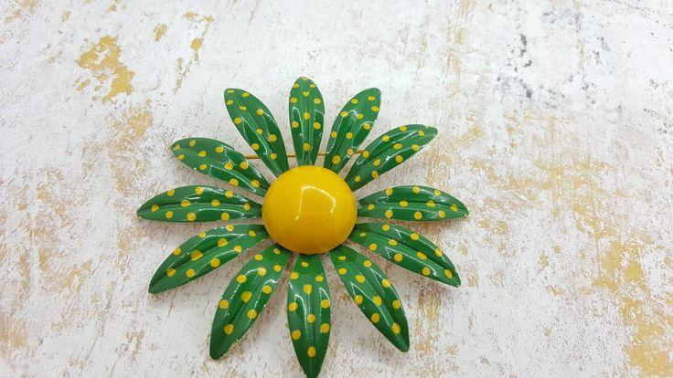 Jeanne signed Enamel Green Flower Brooch Polka dots Retro Mod #jewellery #vintagejewelry