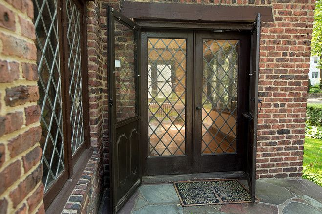 502 best tudor images on pinterest english tudor tudor for Side doors for houses