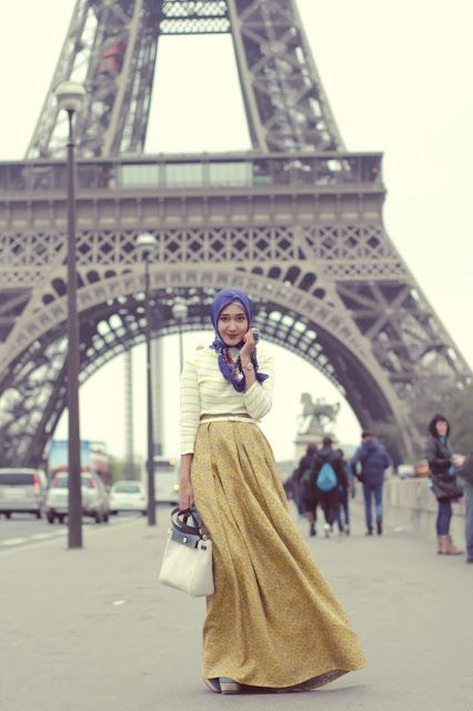 Dian Pelangi, yellow skirt
