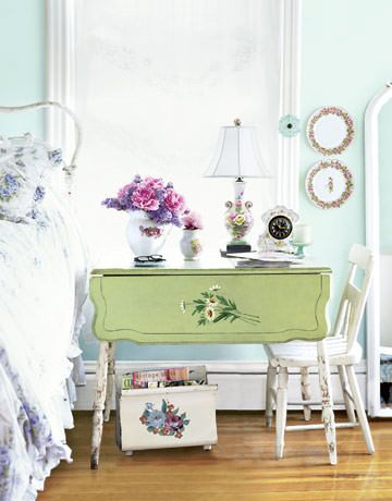 10 new uses for old items budget decorating budgeting for Decoration table shabby chic