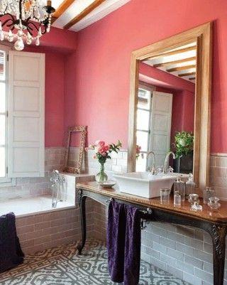 Dipingere le pareti del bagno