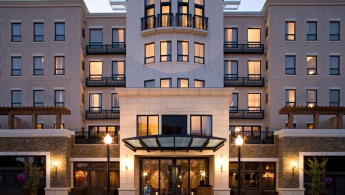Andaz Napa: Andaz Napa is sophisticated and perfectly situated right in the heart of downtown.
