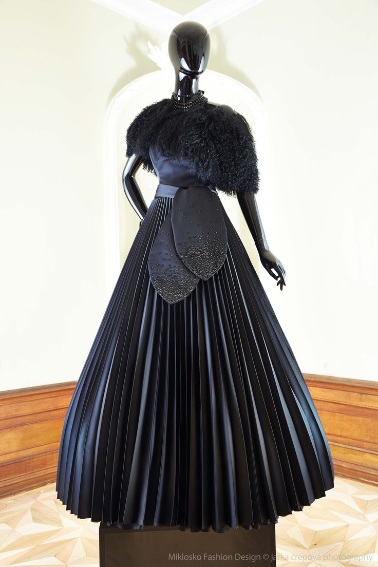 12. MFD Black ball gown. www.mikloskofashiondesign.sk