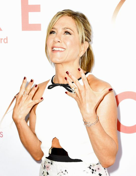 Jen's #nails were beautiful last night at the #RedCarpet premiere of Cake. You can get the look from @glamourmag