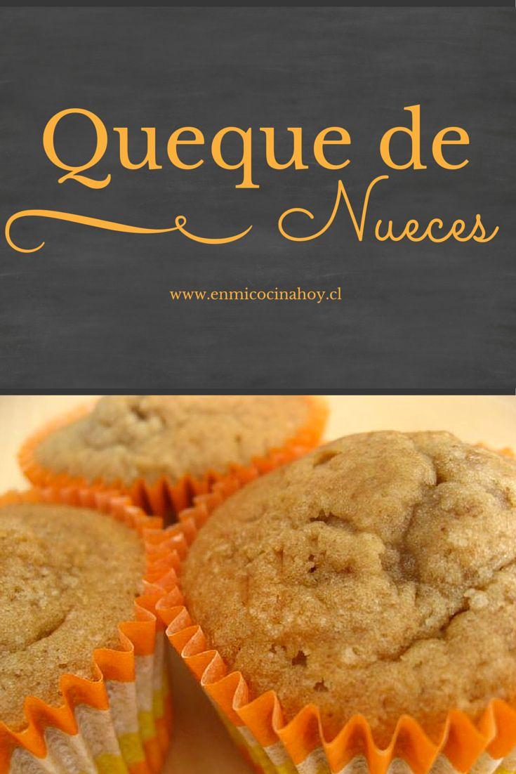 El queque de nueces es delicioso y fácil de hacer, puedes hacerlo en porciones para guardar o servirlo con un rico té.