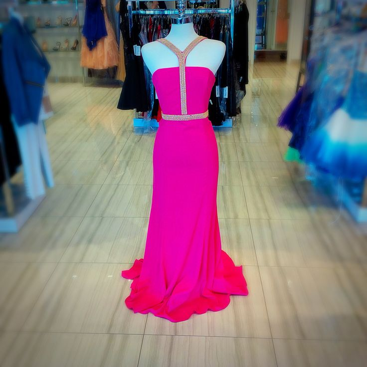 A show stopper dress! Must have! #stunninggown #classicboutique #classic #eastgwillimbury #pickeringtowncenter