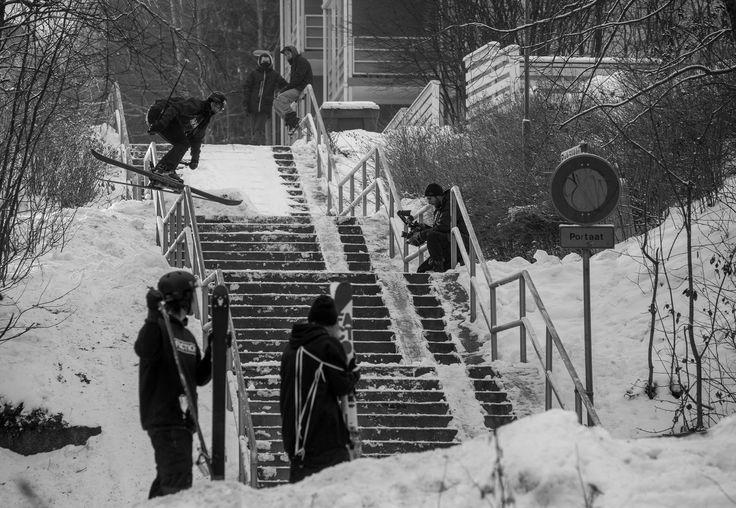Street Action in Finnland für den neuen Faction Skis Full-Movie. Rider: Daniel Hanka - Foto: Tero Repo