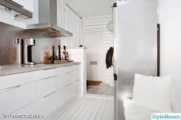 460522-högblankt-vitt-kök.jpg (580×386)