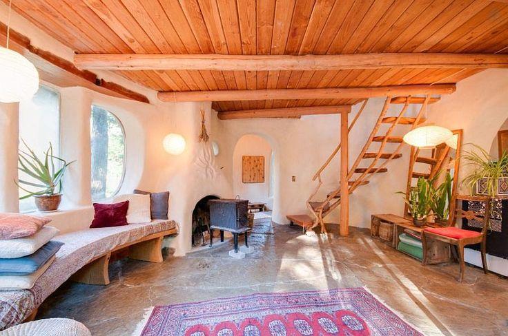 Are 55 mp casa asta de lut, perfectă pentru evadare în natură! | Adela Pârvu - jurnalist home & garden