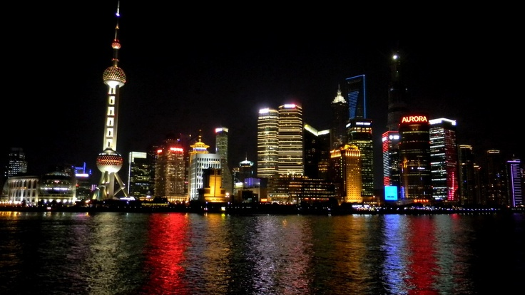 Любой китаец скажет, что Шанхай – это не Китай. Современный мегаполис на краю Азии начали создавать европейцы еще в 19 веке, установив здесь полуколониальное господство. Филиалы всемирных банков, крупнейшие финансовые корпорации и торговые предприятия начали открывать здесь свои представительства еще тогда