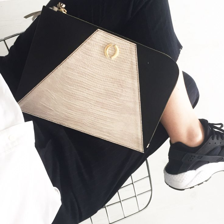 Office day with trio slim clutch beige/black look