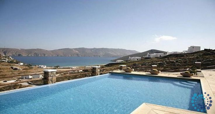 "Welcome to the ""Villa Panormos"" in Mykonos, Greece. Your #luxury #villa #rent #greece #greek #island #vacances #grece #mygreekvilla #alouer"