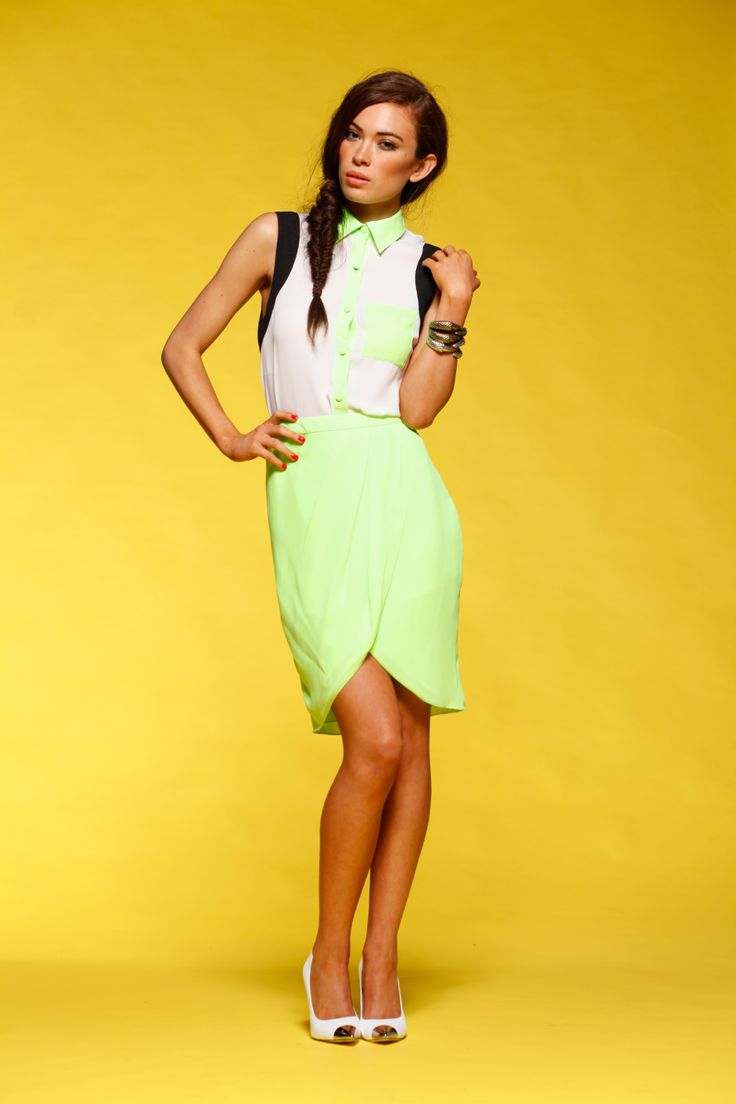 Honey & Beau - Sunset Skirt in Fluro HS55011 and Block It Shirt in Fluro Multi HT55012